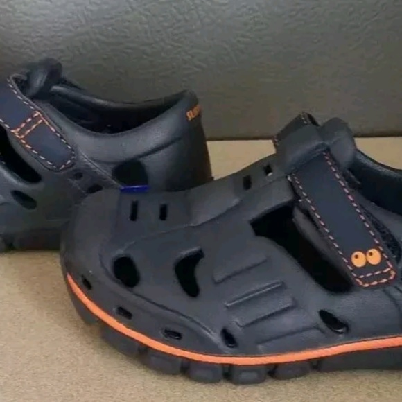 Stride Rite Navy Land Water Shoes